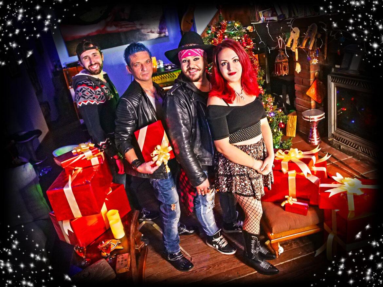 """Gli Stay pubblicano """"Under the christmas tree"""", il primo singolo di Natale!"""