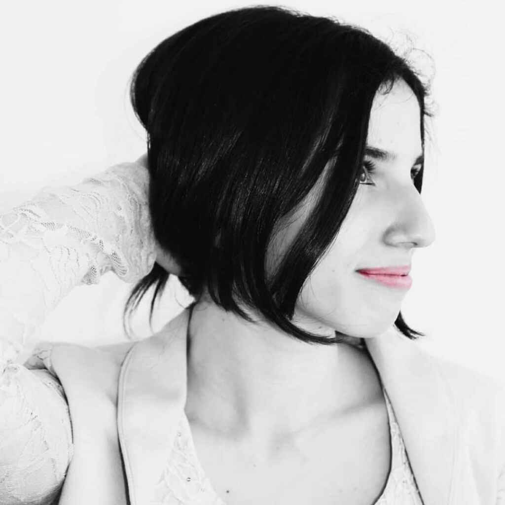 """Adriana Caprio: """"Odi e Cedi"""" Richiesta intervista e pubblicazione"""